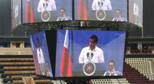 """Budowa metra, inwestycje kolejowe. Prezydent Filipin ogłasza """"złoty wiek inwestycji"""""""