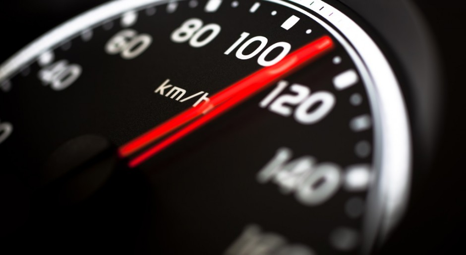 Holandia zmniejszy prędkość maksymalną samochodów do 100 km/h