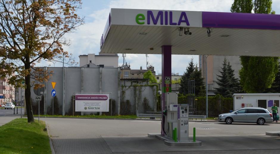 Właściciel sieci Moya kupuje stacje paliw eMILA