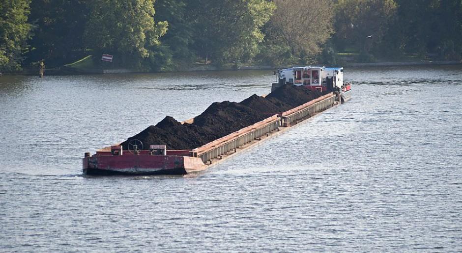 Na Kanał Gliwicki wyruszył pierwszy od pięciu lat transport węgla