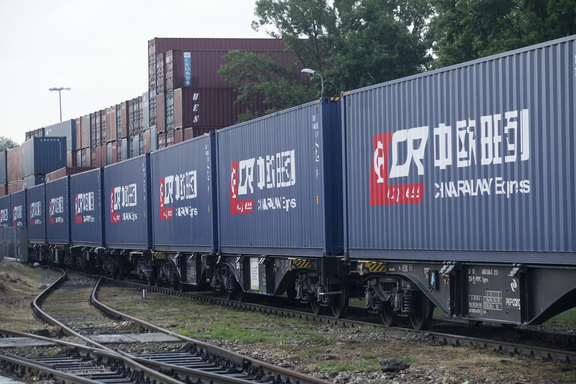 Trwa międzynarodowa konkurencja o to, które z państw członkowskich Unii Europejskiej stanie się głównym hubem lądowym dla towarów z Chin.
