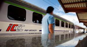 Licytacja na ulgi kolejowe zniżki dla seniorów. Co oferują przewoźnicy?