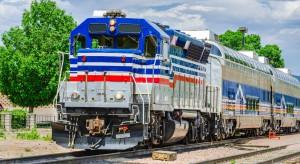 USA. Jadący pociąg uderzył w stojący skład - 33 rannych