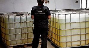 Funkcjonariusze KAS przechwycili tysiące litrów trefnego paliwa