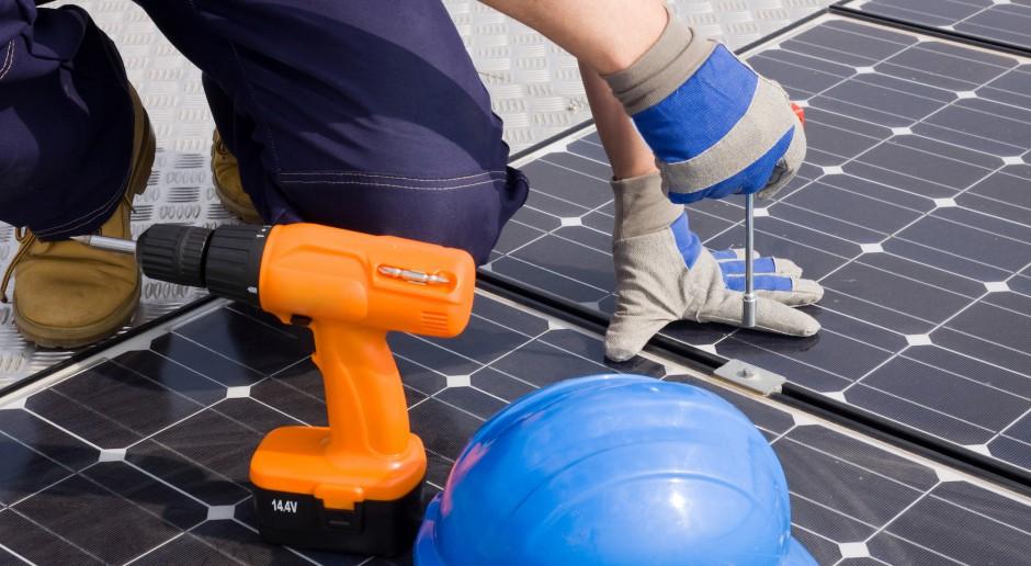 Łączna moc z paneli fotowoltaicznych wzrosła w ciągu roku ponad siedmiokrotnie