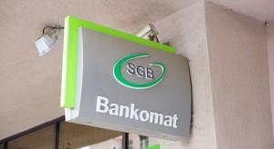 Banki: mniej oddziałów, mniej pracowników