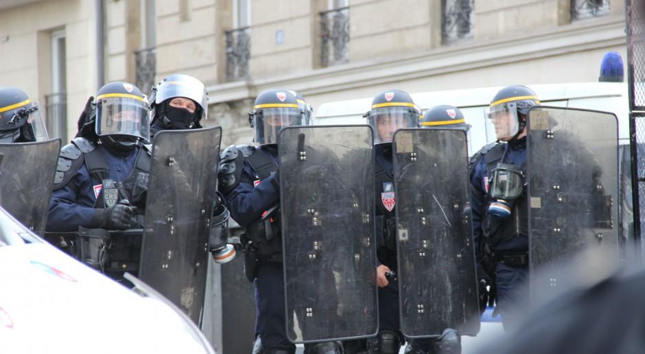 Strajk pracowników budżetówki ostrzeżeniem dla rządu Francji
