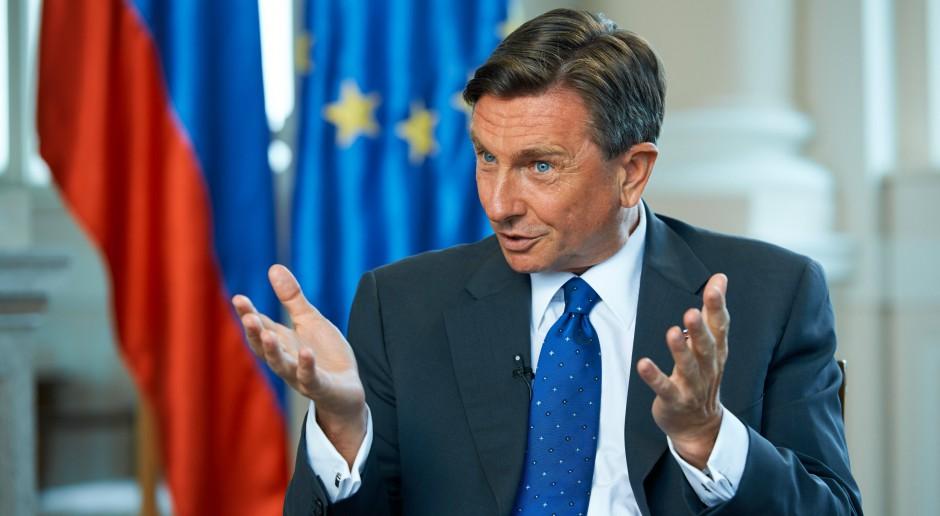 Dotychczasowy prezydent Słowenii wygrywa  wybory, ale potrzebna druga tura