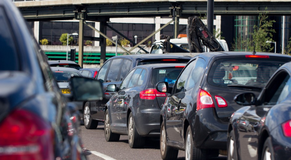 Wielka Brytania: zakaz dla nowych samochodów spalinowych od 2030 roku