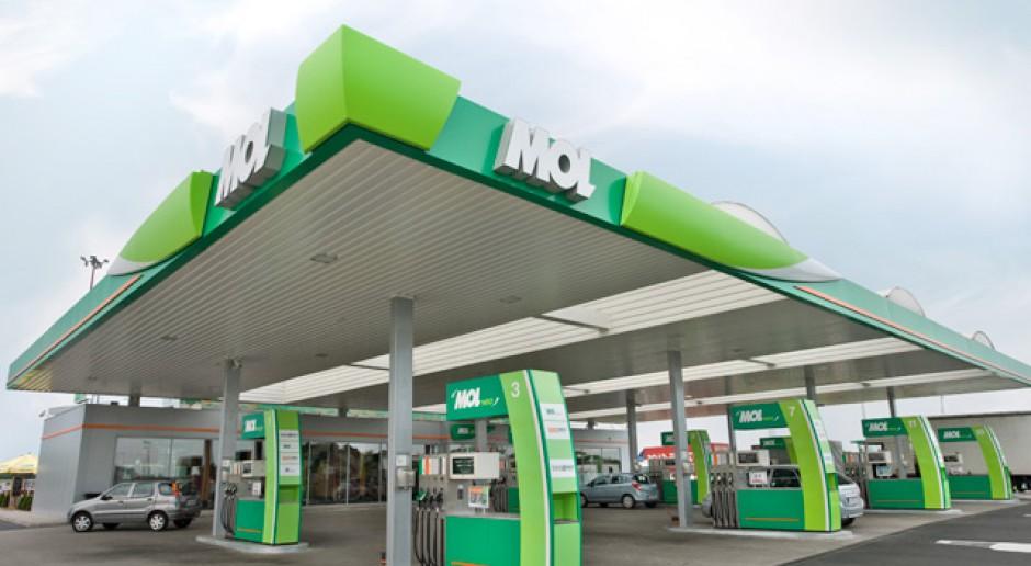 MOL przejmuje sieć 120 stacji benzynowych w Słowenii