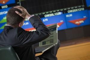 Na giełdzie niewielkie spadki głównych indeksów