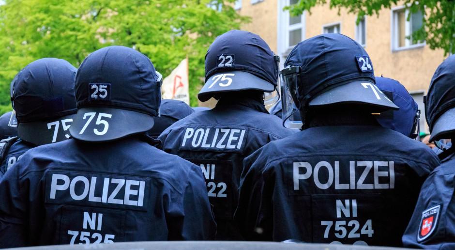 Sondaż: większość Niemców chce zakazu noszenia chust w podstawówkach