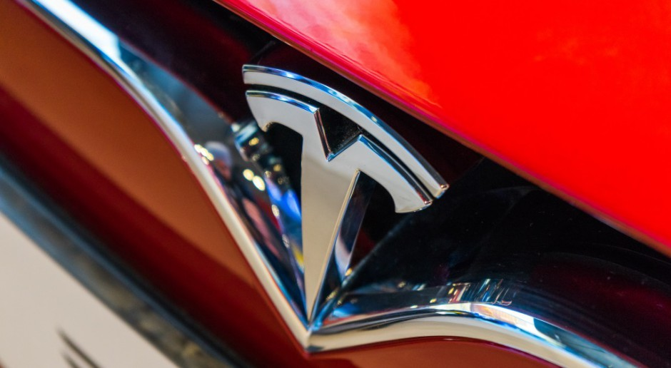 Elektrycznym modelom Jaguara i Audi nie udało się przełamać dominacji Tesli
