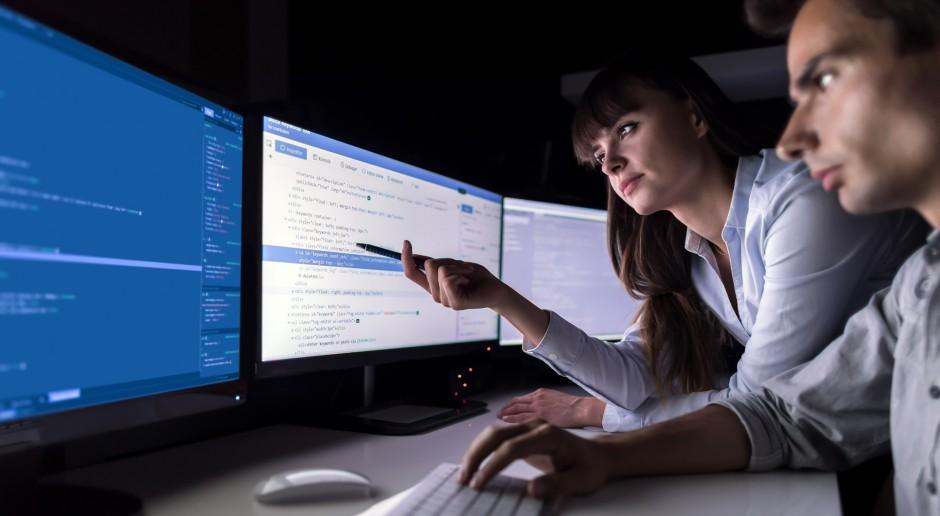 Roboty mogą zrewolucjonizować pracę biurową. Jeśli unikniemy błędów