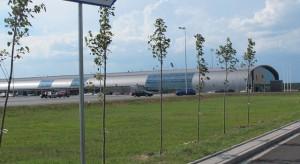 Lotniska w Warszawie i Modlinie znalazły politycznego obrońcę