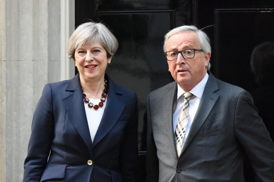 Theresa May i Jean-Claude Juncker. Fot. Lingreten Images / Shutterstock.com