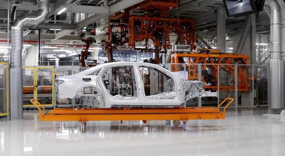 Donald Trump grozi UE cłami importowymi na samochody