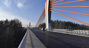 Trasa za ponad 1,3 mld zł na finiszu. Kluczowy most zdał test