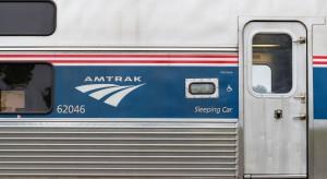 Pociąg ponad dwukrotnie przekroczył dozwoloną prędkość. 3 osoby nie żyją, 100 zostało rannych