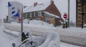 Śnieg zdezorganizował transport w Wielkiej Brytanii