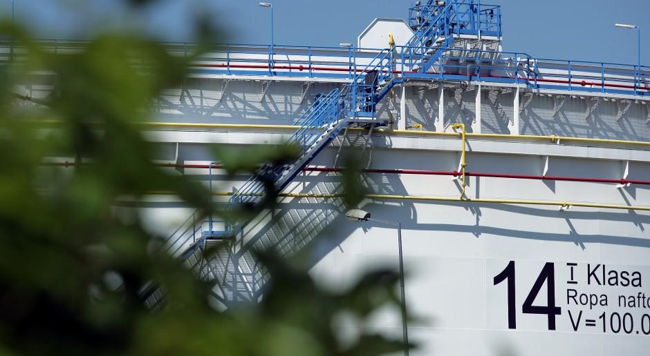 W bazie PERN jest jeszcze sporo zanieczyszczonej ropy