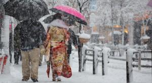 Śnieg sparaliżował komunikację w azjatyckiej stolicy