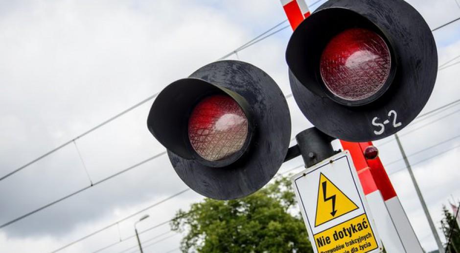 Około 1,3 tysiąca przejazdów kolejowych pod obserwacją kamer
