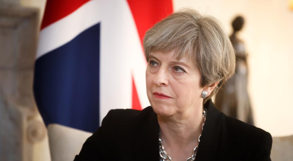 Theresa May pozostanie premierem Wielkiej Brytanii