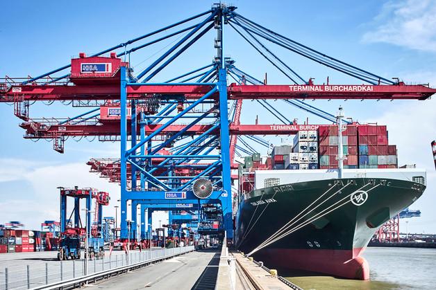 Zaniedbania i nie najlepszą kondycję polskiej infrastruktury towarowej dobrze odzwierciedla pozycja Hamburga, który wciąż odgrywa rolę ważnego centrum dystrybucyjnego dla polskiego handlu międzynarodowego. Fot. Shutterstock
