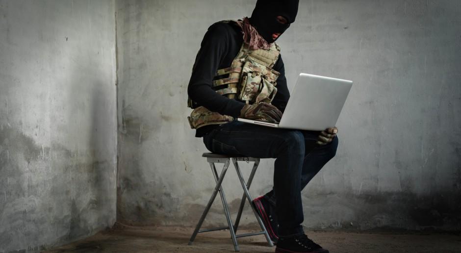 Unia chce walczyć z terroryzmem w internecie, Polska ma zastrzeżenia