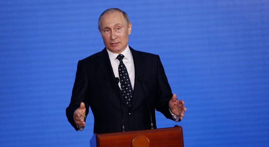 Władimir Putin: kolejna kadencja, kolejny przełom, ten sam premier