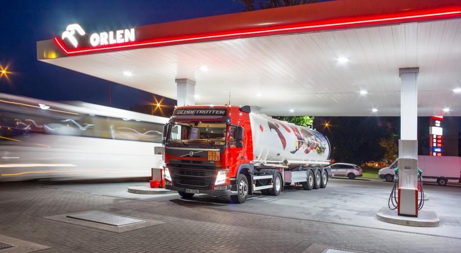 Orlen i Lotos zapewniają, że opłata emisyjna nie wpłynie na ceny paliw