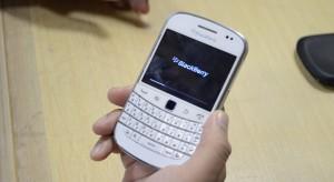 Media: FBI chciało umieszczać tylne drzwi w szyfrowanych telefonach