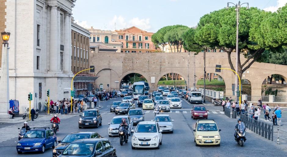 Włochy ograniczą ruch kilkunastu milionów samochodów