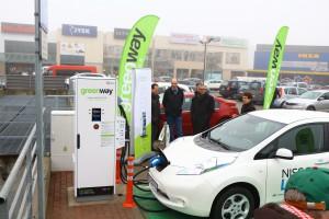 Ładowarki do elektryków będą zasilane energią z OZE
