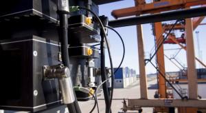 Dźwig odzyskuje energię. Przełomowe efekty w praktyce morskiej