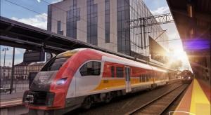 od 1 maja do 26 września jeździ pociąg Białystok-Waliły