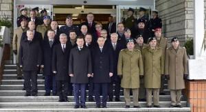 """To """"oficjalny"""" koniec wojny prezydenta z MON"""