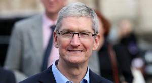 """Szef Apple'a został prezesem rady doradczej """"chińskiego Harvardu"""""""