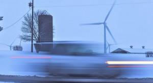 Polacy chcą płacić mniej za prąd. Tysiące co miesiąc decydują się na radykalną zmianę