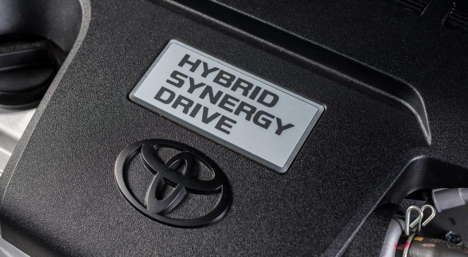 Toyota będzie sama produkować baterie do hybryd