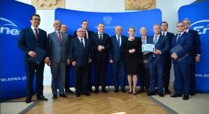 Lotos, Enea, TVP, Poczta Polska... Państwowe firmy łączą siły w wyścigu do elektromobilności