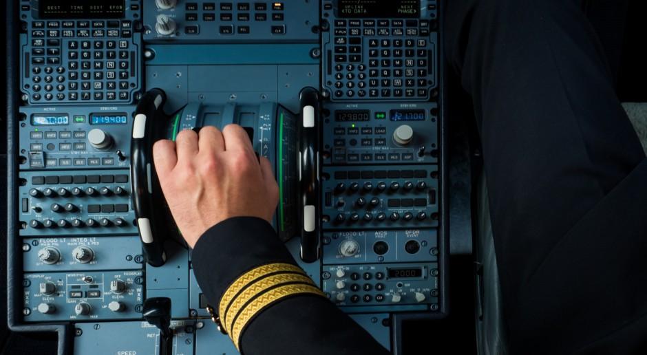 PLL LOT: Pierwsza kobieta pilotująca w Europie dreamlinera w barwach LOT odeszła na emeryturę