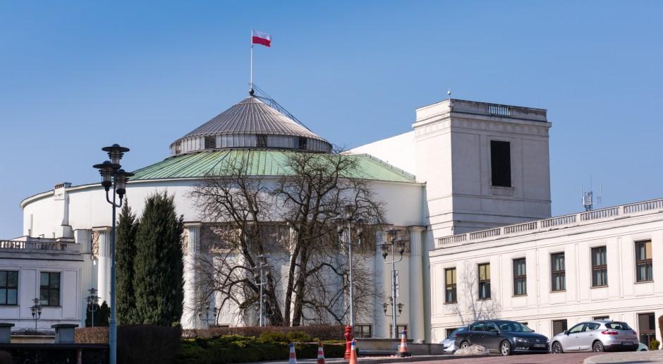 Projekt nowelizacji tegorocznego budżetu trafił do Sejmu