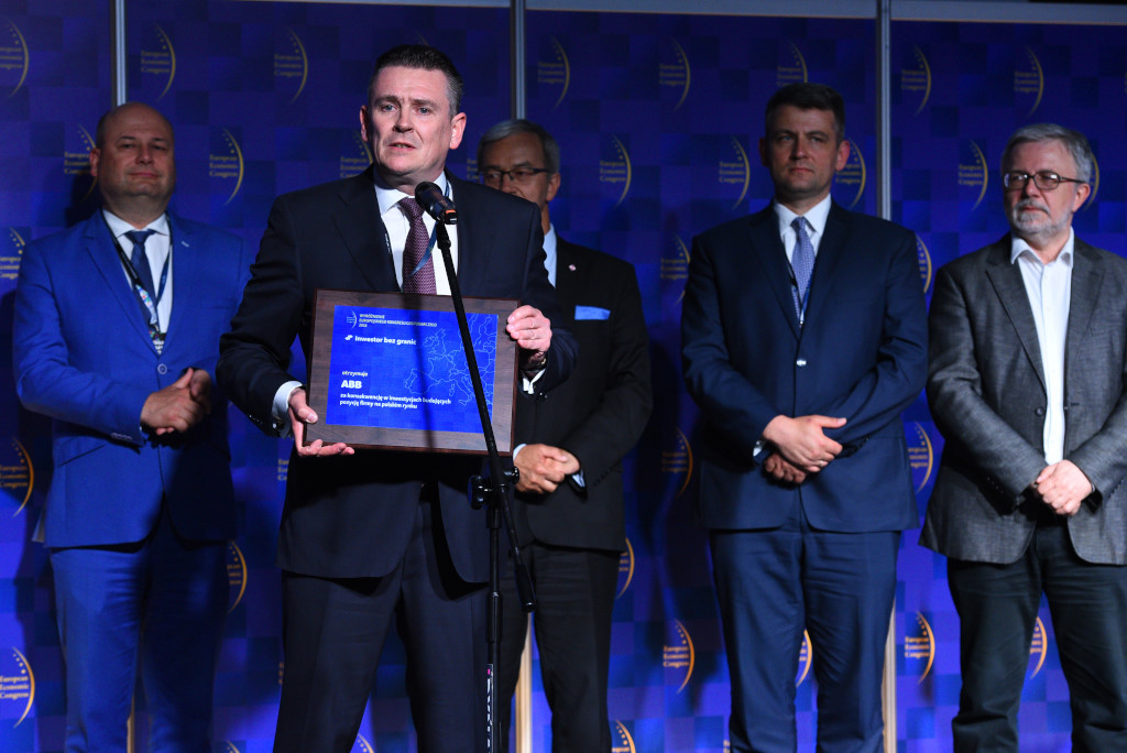 Paweł Łojszczyk, prezes ABB z wyróżnieniem.