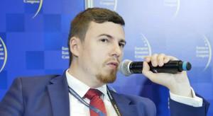Wiceminister rozwoju skomentował budowę przy rezerwacie Łosiowe Błota