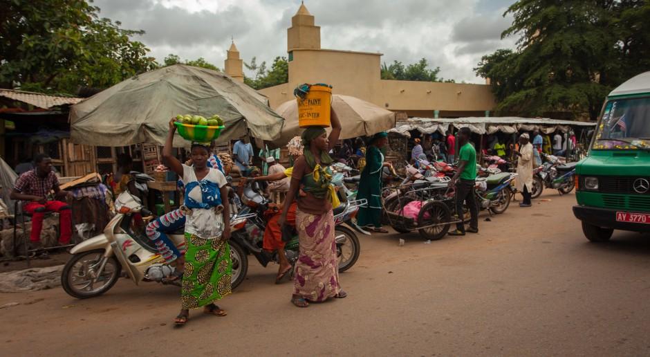 Pomoc rozwojowa dla państw w Afryce. Polska się w to włącza, prywatny biznes także