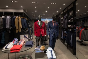Producent ubrań zamyka nierentowne sklepy i stawia na e-commerce