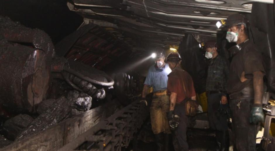 Górnik z tabletem, elektryczne pojazdy, automaty. Rewolucja w polskich kopalniach przybiera na sile