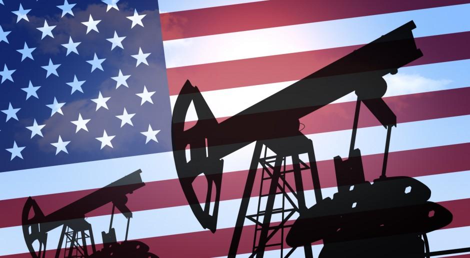 Ropa lekko drożeje; są obawy o rosnącą produkcję w USA